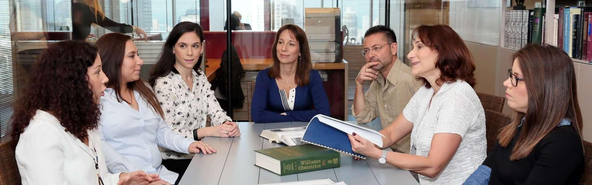 צוות עורכי דין ממשרד כספי סרור ושות' לרשנלות רפואית