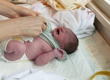 בדיקת צ'יפ גנטי לא בוצעה, נולד ילד עם תסמונת גנטית קשה