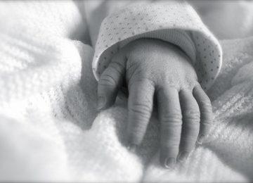 היולדת לא הונחתה לשמירת הריון ונולדה ילדה המאובחנת עם שיתוק מוחין