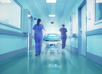 צוות חדר מיון הניח שהמטופל שתוי והחמיץ אירוע מוחי
